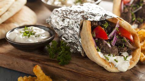grecia gastronomia gyro mezzedes
