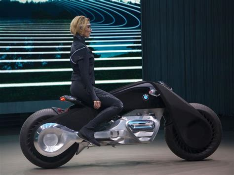 future bmw motorcycles omg bmw presents its self balancing motorcycle of the
