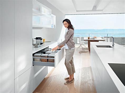 Kitchen Design Video by Blum Tandembox Antaro W Rail