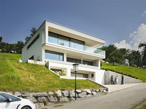 haus am hang modern haus fassade d 252 sseldorf von einfamilienhaus hanghaus klaus modern edelstahlpool
