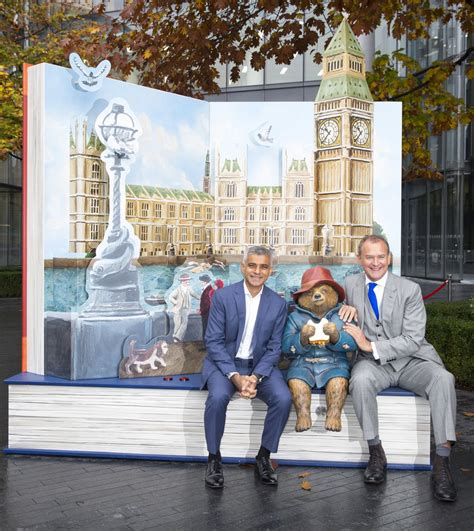 0008254524 paddington pop up london paddington s pop up london unveiled by mayor of london