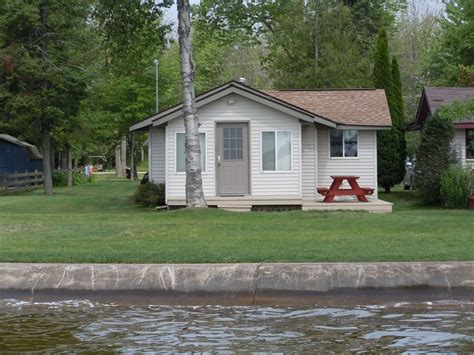 Check Lakefront Cottages For Rent In Michigan