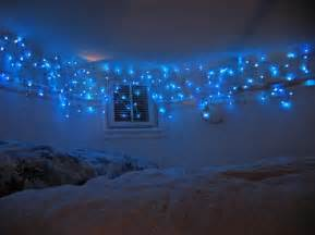 15 ideas to hang christmas lights in a bedroom shelterness christmas lights in bedroom