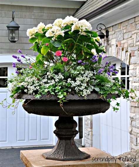 landscaping ideas for planting urns