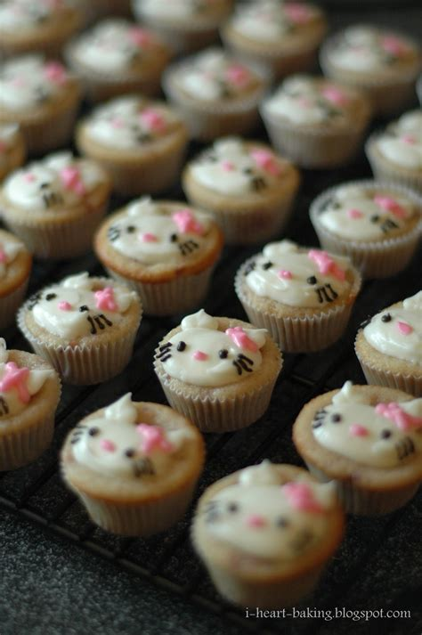 Cupcake Tema Hellokitty i baking hello mini cupcakes