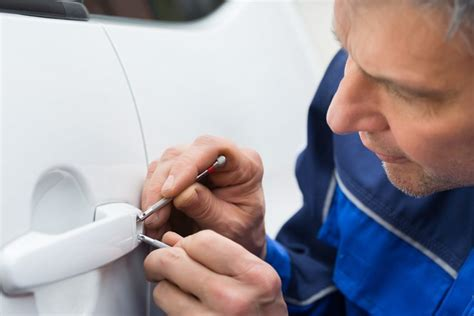 naples auto locksmith car key replacement programming