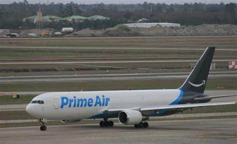 plane spotters s prime air plane flies to houston houston chronicle