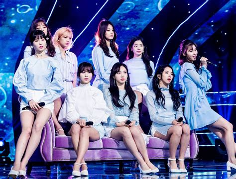 twice yes or yes win twice what is love ガオンチャート3冠 twicefan blog