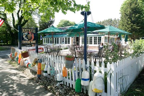 bostwicks chowder house kdhtons feast end bostwick s chowder house in east hton opens for the season