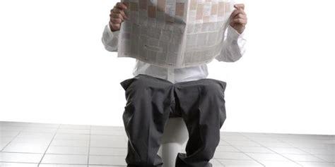 20 Kebiasaan Baik Watiek Ideo 6 kebiasaan aneh yang dilakukan di toilet merdeka