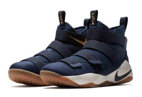 Sepatu Basket Nike Lebron Zoom Soldier 11 Cavs nike lebron soldier 11 cavs 897644 402 release date sneakerfiles