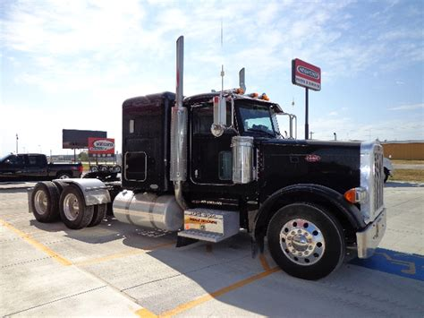 Peterbilt Flat Top Sleeper For Sale by 379 Peterbilt Flat Top Trucks For Sale Autos Weblog