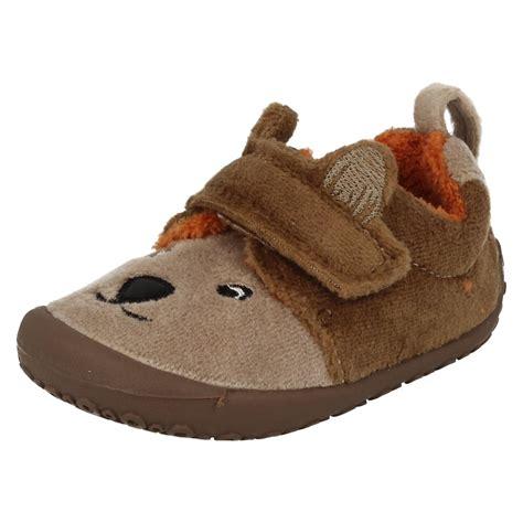 clarks infant slippers infant boys clarks slippers snoozy paw ebay
