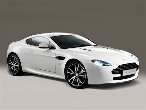 aston martin vantage wallpaper aston martin v8 vantage n420 wallpapers cool cars wallpaper