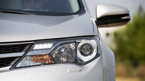 Toyota Rav4 Headlights 2014 Toyota Rav4 Headlight Photo 18 74