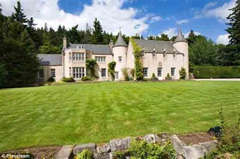 scotland buy house billy connolly finds buyer for 163 3m mansion in scotland