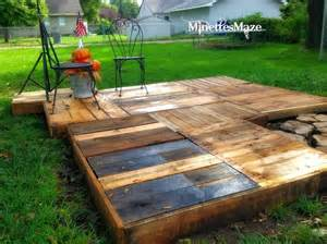 Patio On A Pallet Wood Pallet Deck Ideas Pallet Wood Projects