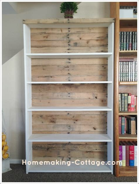 how to make a pallet bookshelf