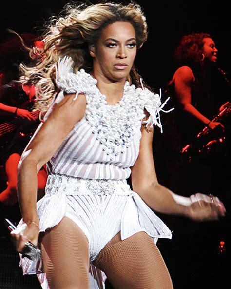 Beyonce Causes A Uproar In Australia by Beyonce S Ban On Unflattering Photos Isn T Working Out