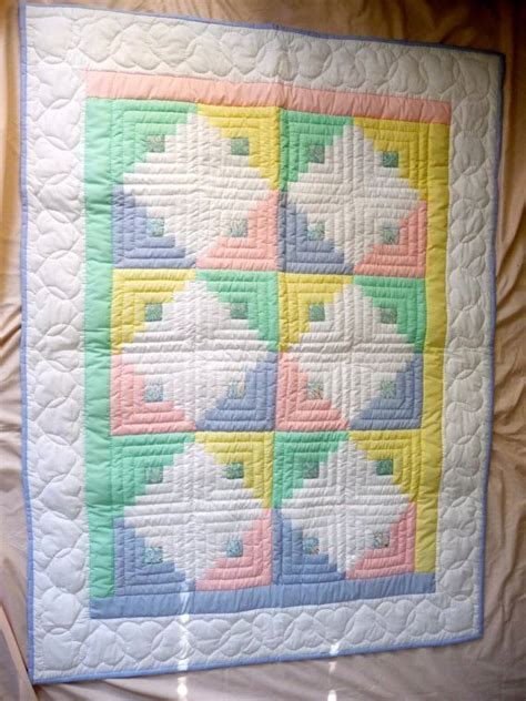 Amish Quilt Pattern by Best 25 Log Cabin Quilts Ideas On Log Cabin
