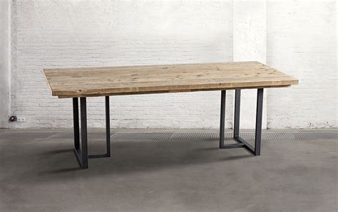 mesa de comedor industrial iron  disponible en