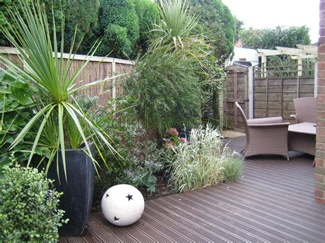 design tips awkwardly shaped gardens outside roomsoutside rooms