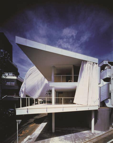 shigeru ban curtain wall house shigeru ban people s architect combines permanence and