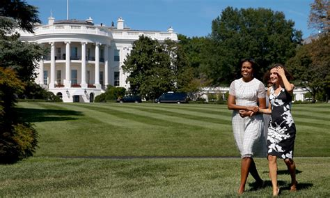 imagenes comicas de obama as 237 ser 225 el pr 243 ximo encuentro de michelle obama y do 241 a letizia
