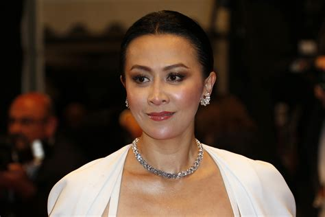 hong kong star latest hair style carina lau launches online wine chagne brand