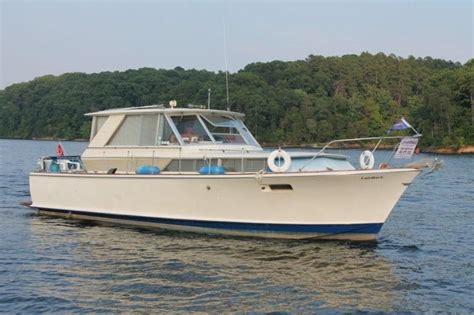 commander boats 1969 chris craft 38 commander motore barca in vendita