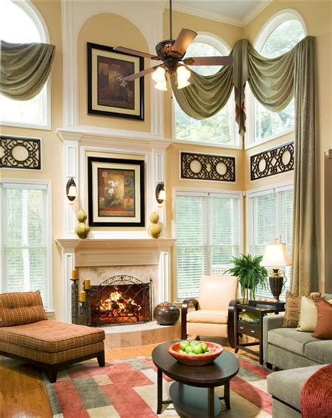 How To Decorate A Living Room With High Ceilings Tips And Tricks For Decorating With And Low Ceilings
