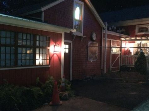 tree house tavern one of a kind can t wait to go back treehouse tavern warwick traveller reviews