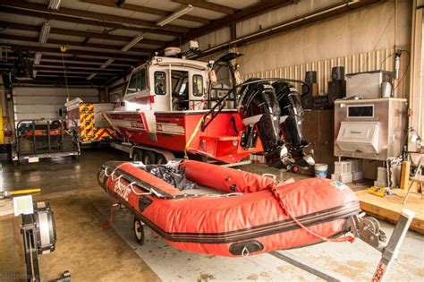 wilmington fire boat delaware fire boats