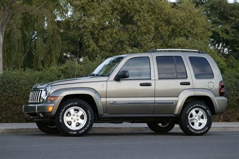 Jeep Liberty Diesel Reviews Pre Owned 2002 2007 Jeep Liberty Photo Image Gallery