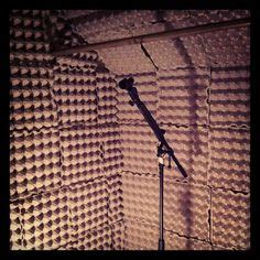 cheap and easy way to soundproof a room 1000 images about sound proofing on sound proofing acoustic panels and home