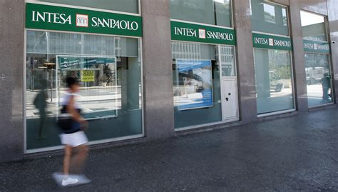 banche associate a intesa san paolo bei e intesa sanpaolo oltre un miliardo di per le