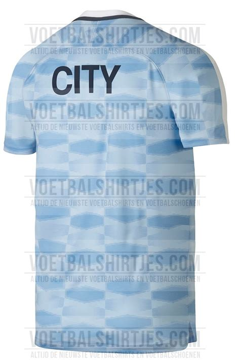 kit city pictured the retro ish manchester city 2017 18 pre match