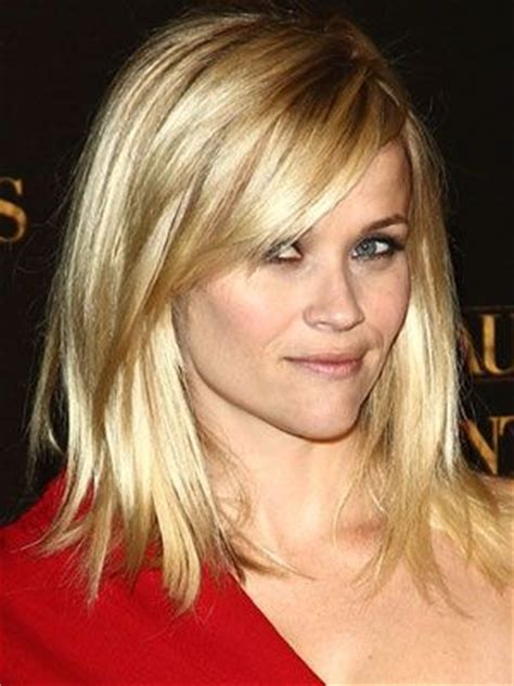 shoulder lever hair reese witherspoon medium haircut reese witherspoon