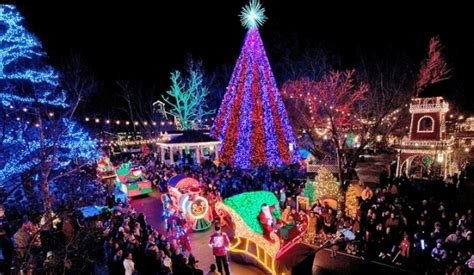 best places in usa for 2017 christmas celebrations