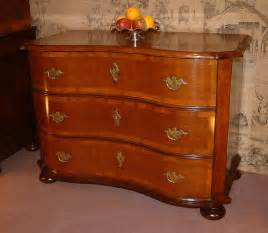 Commode Antique by Italian 18th Century Serpentine Oak Commode Antiques Atlas