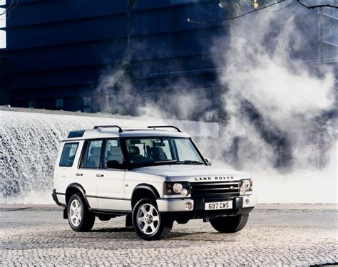 land rover 1998 land rover discovery station wagon 1998 2004 rivals