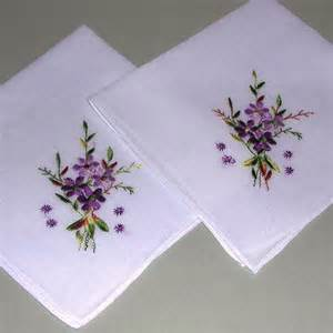 hanky colors vintage hanky handkerchief set embroidered violets