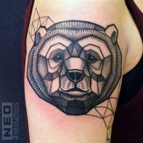 panda kopf tattoo geometrical bear tattoo tatoo pinterest geometrische