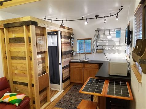 Tiny Häuser Usa by Tiny Home In The Of The City Eco Friendly Glendale