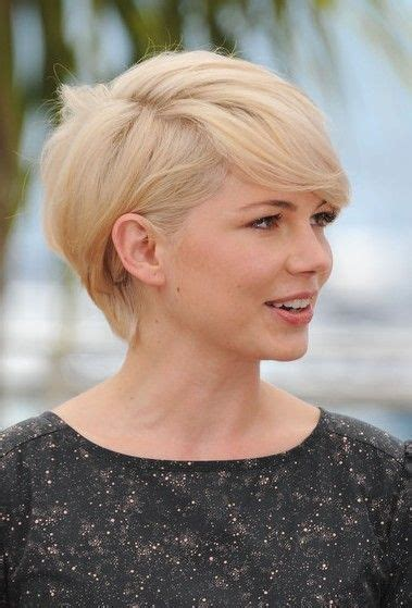 how to grow out asymmetrical haircuts michelle williams short haircut asymmetrical long grown
