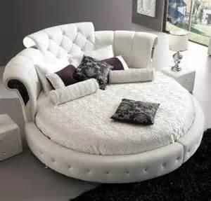 choisissez un lit en cuir pour meubler la chambre 224