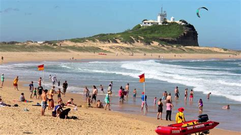 Of Newcastle Mba Australia by Newcastle Beaches Study Outside Sonor