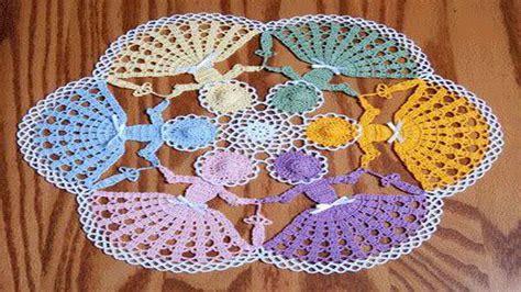 como tejer carpeta con muecas carpeta en crochet con aplicaciones en relieve youtube