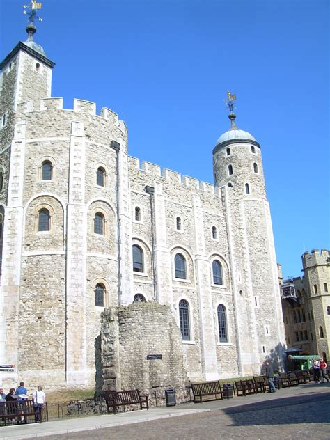 Savvy Home Design Forum the white tower england home london travel armor