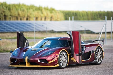 koenigsegg doors koenigsegg agera rs beats bugatti chiron in 0 249 0 mph